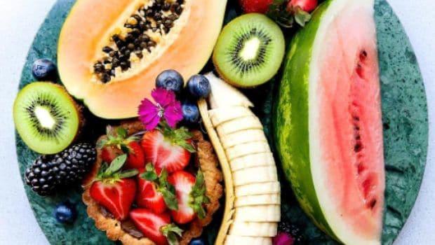 इस गर्मी में मेटाबॉलिज्म सही और वजन कम करने के 5 आसान आहार टिप्स