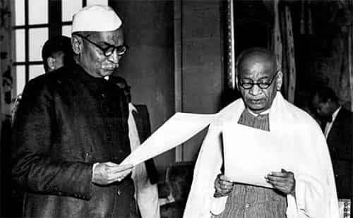 सरदार वल्लभभाई पटेल भारत के पहले उप प्रधानमंत्री और गृहमंत्री